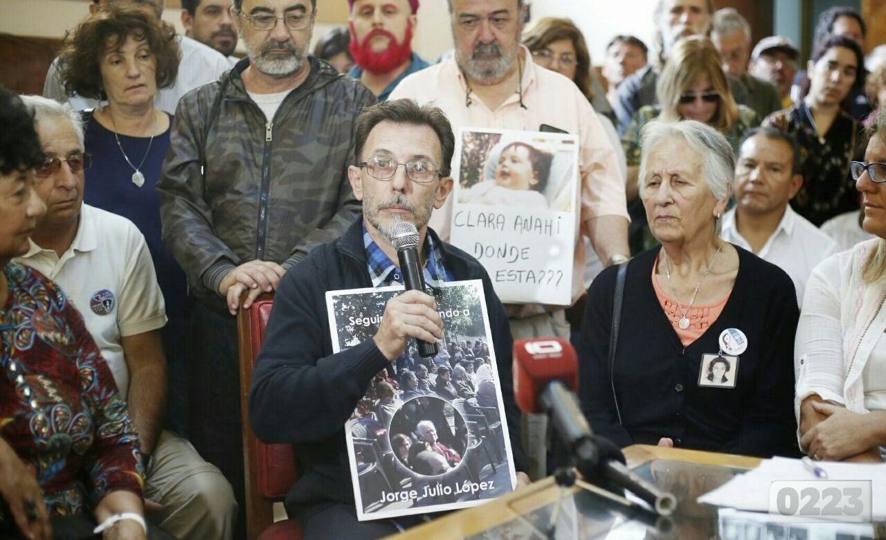 Mar del Plata: incidentes en una marcha contra Miguel Etchecolatz