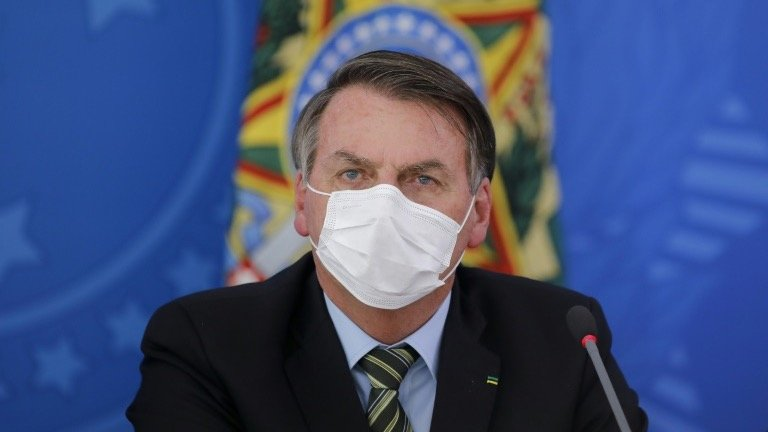 Facebook borra videos de Bolsonaro por 'desinformar'