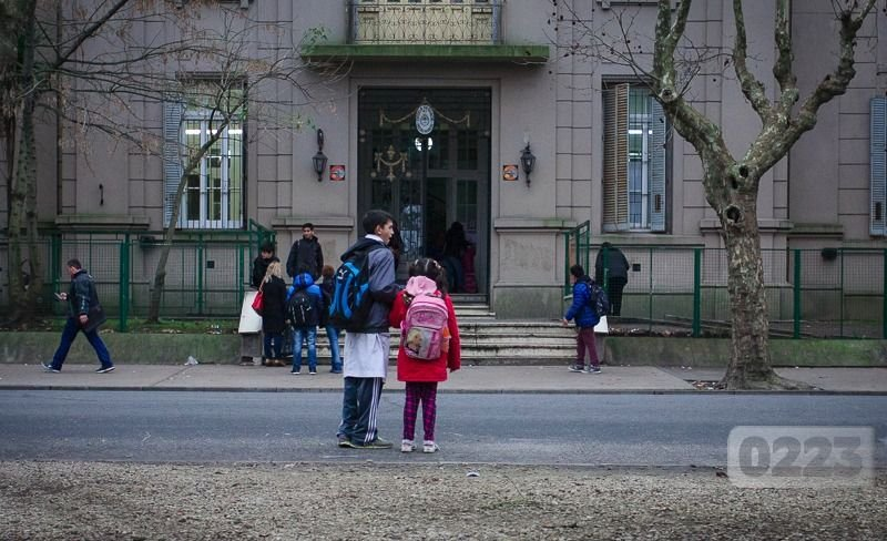 "Comedores escolares: denuncian que ""dos empresas ligadas al poder ..."
