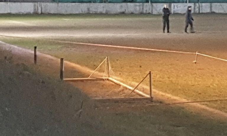 Menor de 12 años murió aplastado por un arco de fútbol — Horror